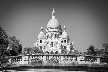 Wall Mural - The Basilica of the Sacred Heart in Montmartre, Paris France