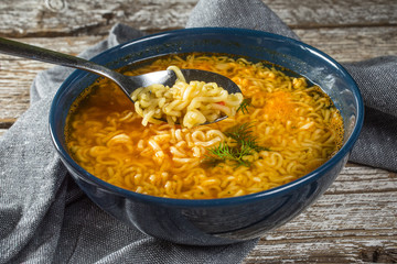 Instant noodles with spicy spices.
