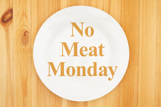 No meat Monday message on white empty plate