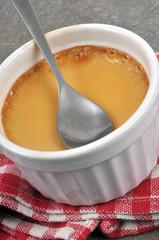 Crème aux œufs dans un ramequin