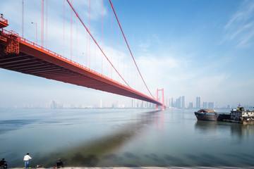 Fotobehang - yingwuzhou yangtze river bridge in wuhan