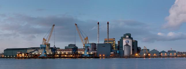 Europe, UK, England, London, docks Riverside Silvertown