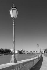 Fototapete - Embankment of the River Arno in Pisa, Tuscany, Italy