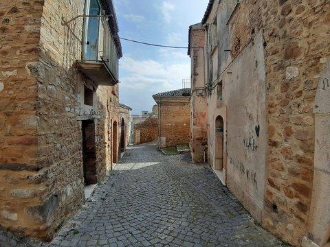 Paduli - Vicolo nel borgo fantasma