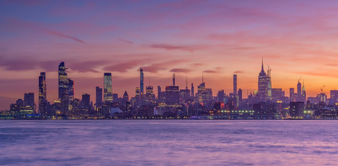 Fototapete - New York City downtown skyline at sunset - beautiful cityscape