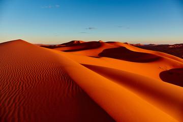 Papiers peints Maroc Sand dunes in the Sahara Desert, Merzouga, Morocco
