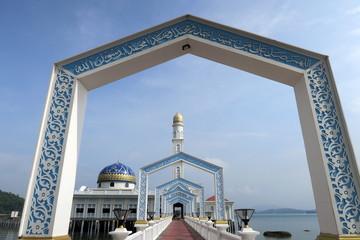 Mosquée flottante à Pangkor Island. Malaisie.