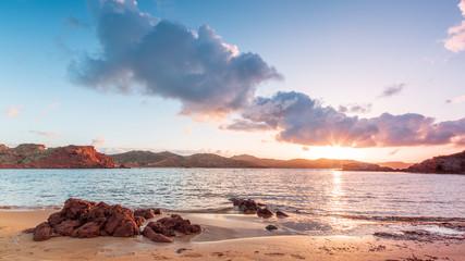 Puesta de sol en playa de Cavalleria Menorca