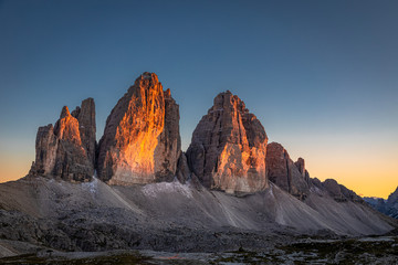 Beautiful view to Tre Cime peaks at sunset, Dolomites, Europe Fotomurales