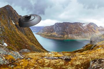 In de dag UFO An crashed UFO