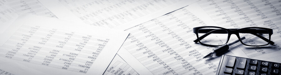 Business banner, calculator, pen and eyeglasses on report Fototapete