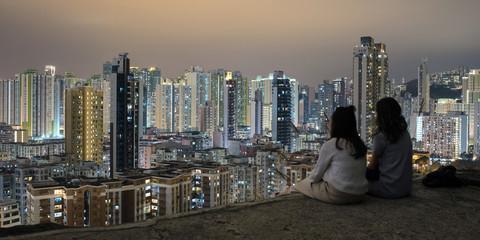 People enjoying night view of Sham Shui Po from Garden Hill in Hong Kong 香港・深水埗の夜景を嘉頓山から観る人々