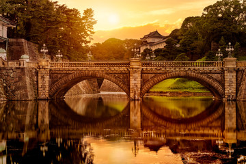 Sunset view of Nijubashi bridge in front of Tokyo Imperial palace in Tokyo,  Japan Fotoväggar