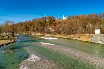 Der Kalvarienberg über der Isar in Bad Tölz