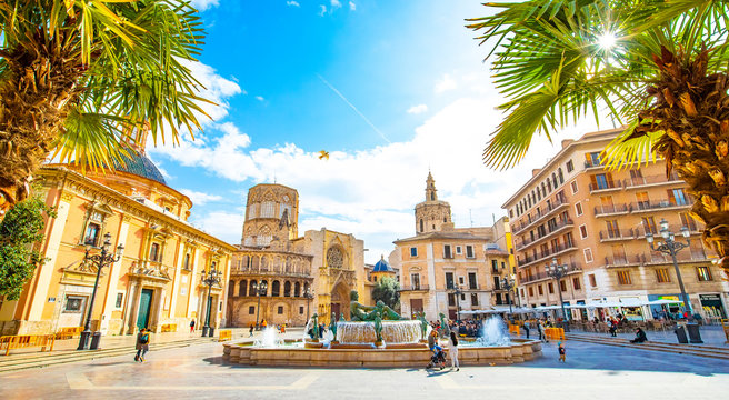 Panoramic view of Plaza de la Virgen (Square of Virgin Saint Mary) and Valencia old town