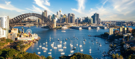 Wall Murals Sydney View point of Sydney harbour with city and bridge in day time