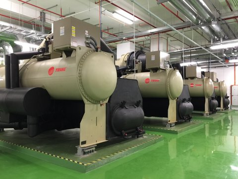 Chiller plant for cooling system