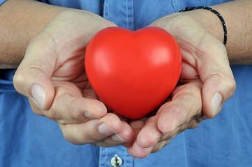 Le cœur dans les mains