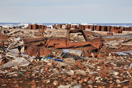 Arctic coast pollution - global environmental problem