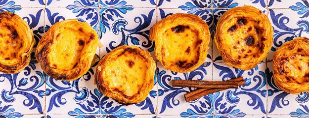 Tuinposter Bakkerij Egg tart, traditional Portuguese dessert, pastel de nata.