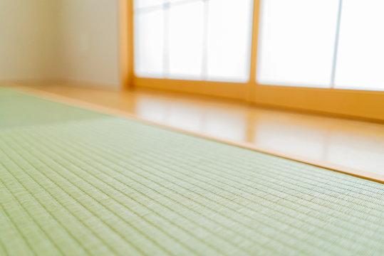 新築住宅 和室の畳と障子