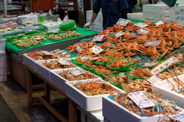 金沢の台所 近江町市場 カニ漁解禁
