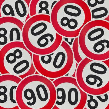 Panneaux de limitation de vitesse à 80 ou 90 km/h