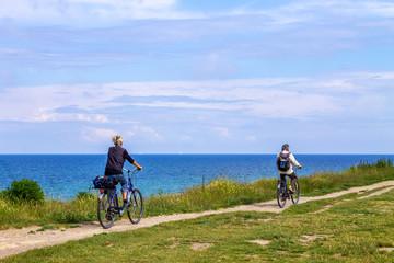 Wall Mural - Wandern und Rad fahren am Meer, Ostseeküste, Deutschland