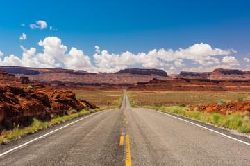 Road to Monument Valley in Utah
