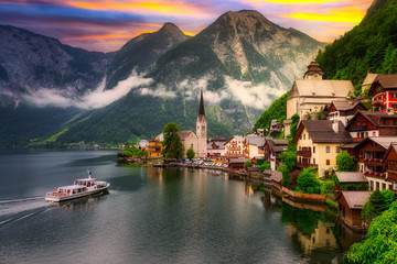 Beautiful Hallstatt village in Alps at sunset, Austria Fotomurales
