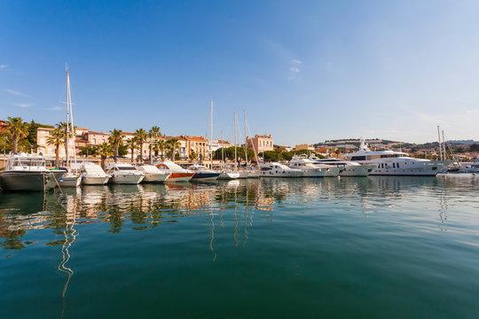 France, Provence-Alpes-Cote d'Azur, Department Var, Bandol, Marina