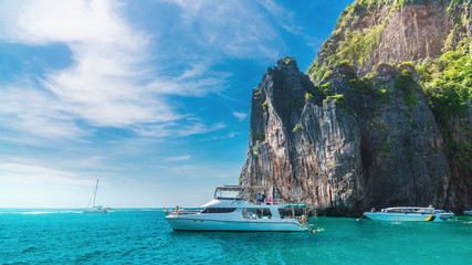 Fotorolgordijn Blauwe jeans Beautiful nature scenic landscape Phi Phi island with boat for traveler Andaman sea Krabi, Famous landmark place tourist travel Phuket Thailand summer vacation trips, Tourism destination scenery Asia