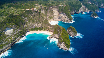Obraz Aerial view on Karang Dawa bay, Kelingking beach. Nusa Penida Island, Indonesia. - fototapety do salonu