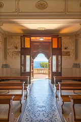 Fototapete - TAORMINA, ITALY - APRIL 9, 2018: The nave of church Chiesa di San Giuseppe and outlook the the see.