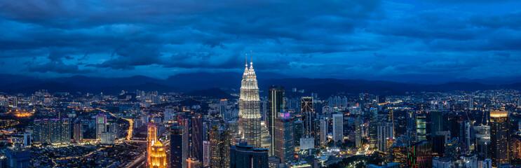 Zelfklevend Fotobehang Kuala Lumpur panoramic city skyline in kuala lumpur