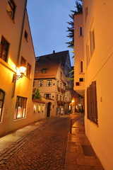 At night in Augsburg's narrow Alleys