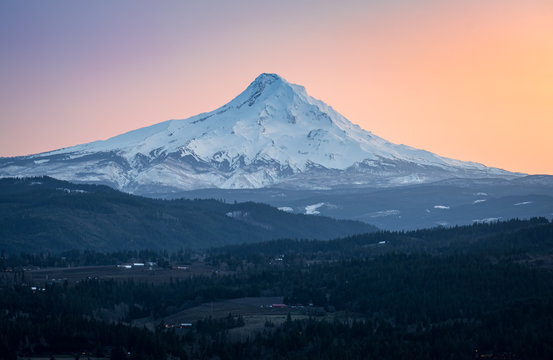 The north face of Mount Hood, Oregon as seen from Washington state