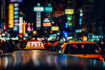Fotomurales - Tuk Tuk Taxi Nightlife at Chinatown in Bangkok,Thailand.