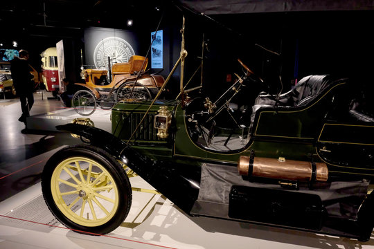 """A British 1899 STAR 3HP car and 1911 Stanley model 63 Toy Tonneau steam engine car are pictured during the """"Garage"""" exhibition, in the Riga Motor Museum"""