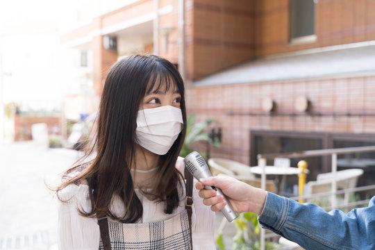 街頭インタビュー マスクの女性 東京 原宿