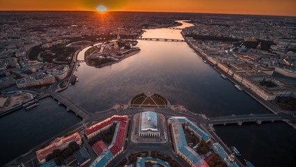 Papiers peints Dragons Saint Isaac's Cathedral in Saint Petersburg Aerial View
