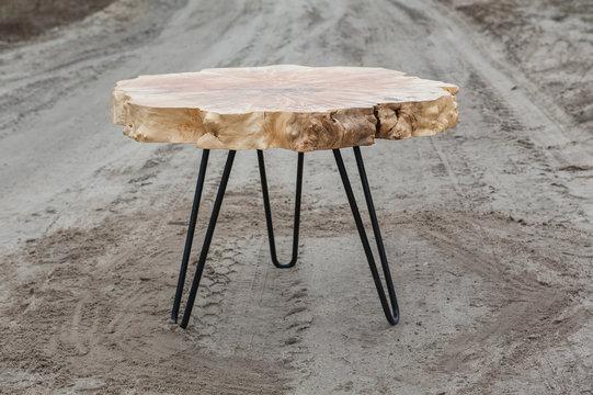 wooden tabel/furniture from an oak root or oak slab