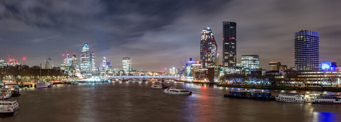 Fototapete - City of London and Southbank, night view over river Thames from the Waterloo Bridge