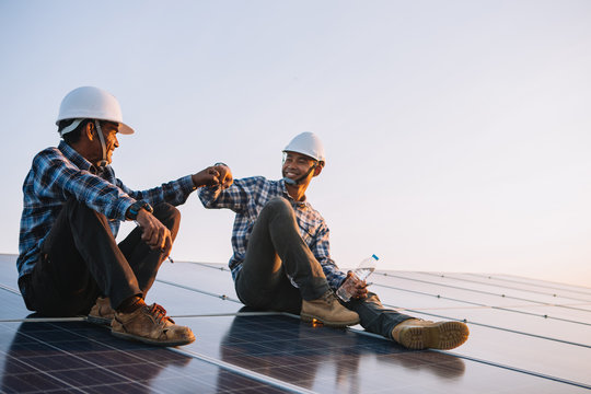 labor working on solar rooftop, Engineering of solar industry