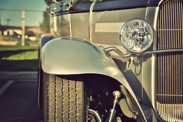 Fotomurales - Classic vintage car headlights close-up