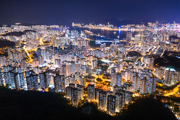 Fotomurales - Amazing Hong Kong Night View, Kowloon district, shooting from lion rock peak. Asia