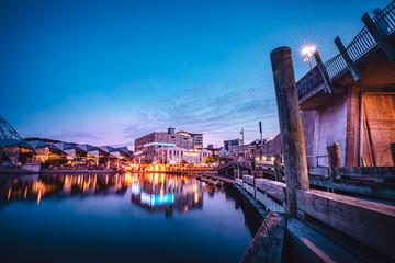 Fotomurales - Nightscape of Wellington City, New Zealand