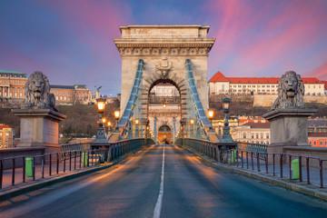Fototapete - Budapest, Hungary. Cityscape image of Budapest skyline with the Szechenyi Chain Bridge building during beautiful sunrise.