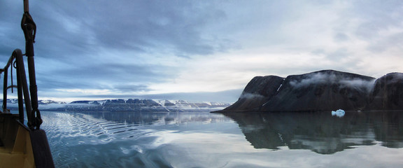 Segelschiff vor Spitsbergen