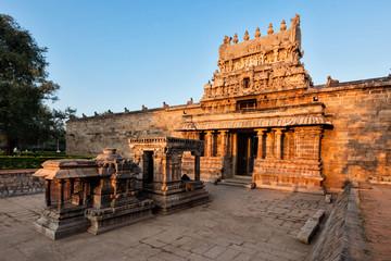 Entrance tower called as gopura of Airavatesvara Temple, Darasuram Fototapete